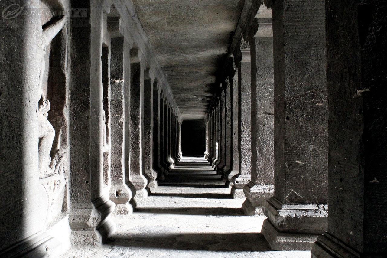 Long Verandah's surrounding the main shrine, all excavated from the same rock