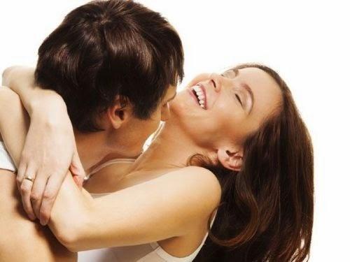 Dầu dừa nguyên chất dùng bôi trơn khi quan hệ