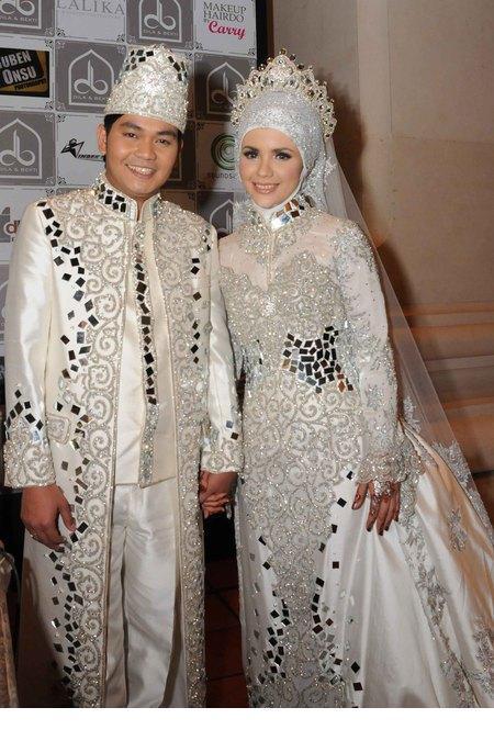 lihat juga foto pernikahan happy salma foto pre wedding jupe gaston ...