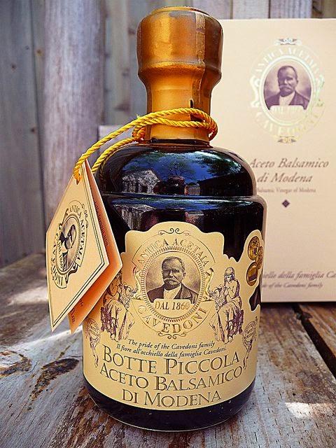 aceto modena sapore tradizione bottiglia etichetta etichette packaging classicità design