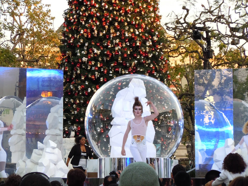 Mac Cosmetics Glitter and Ice skaters The Grove