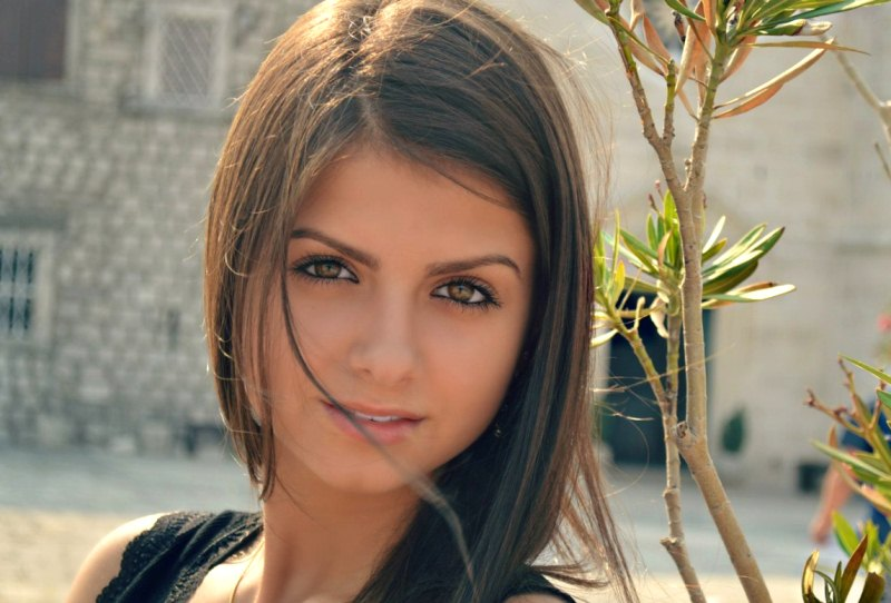 les mchins single personals Finding the right lesbian dating site just got easier with over 50 different lesbian dating sites / services available online, how do you determine which one is best for you.