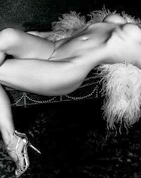 Fotos Pamela Anderson nua para a Purple Fashion Magazine