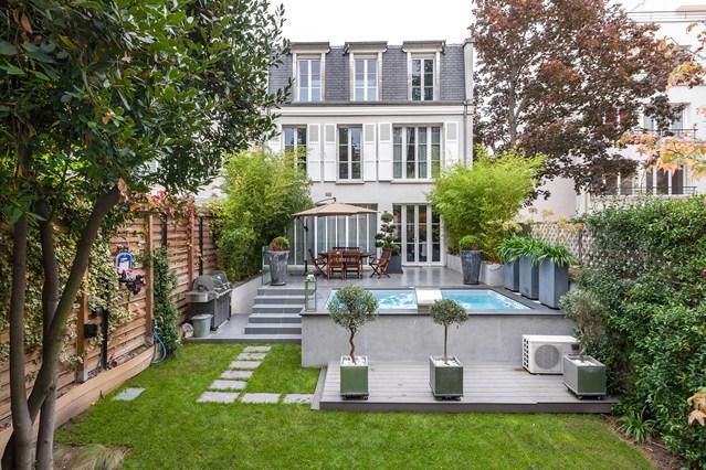 14 jardines urbanos que invitan a quedarse en casa guia for Jardines preciosos casa