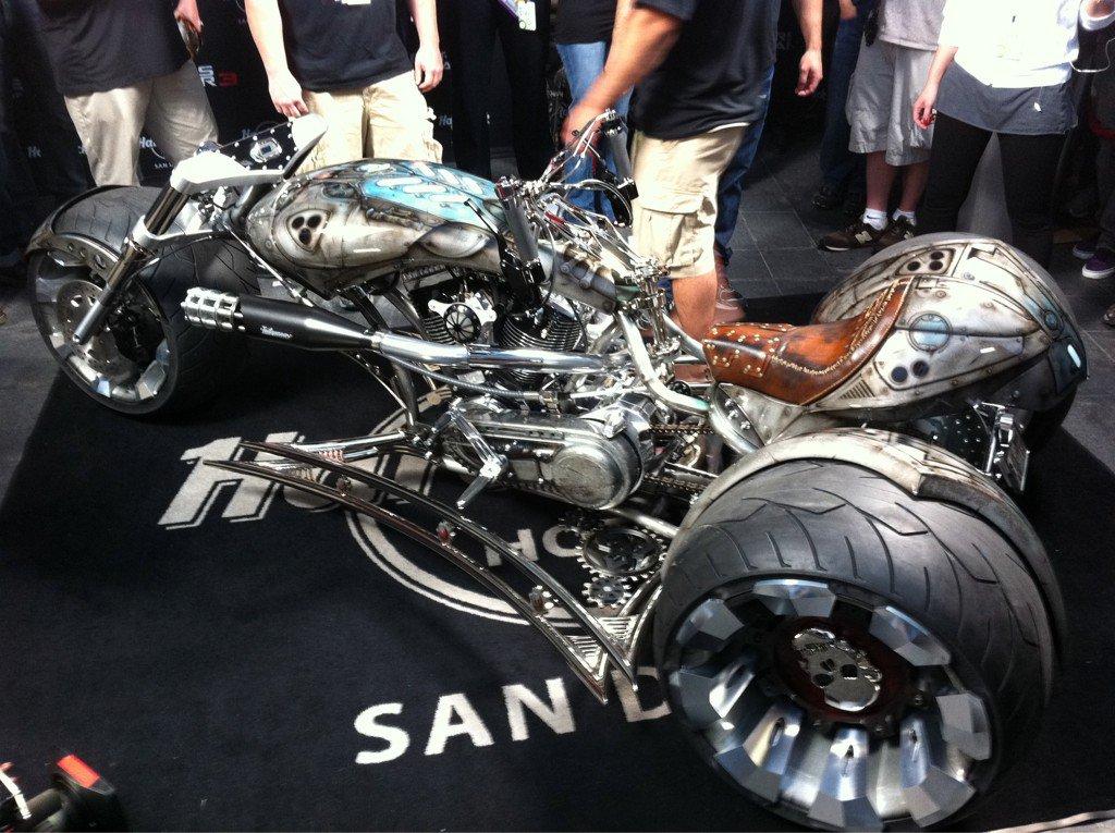 en sociedad la moto de Gears of War diseñada por American Chopper