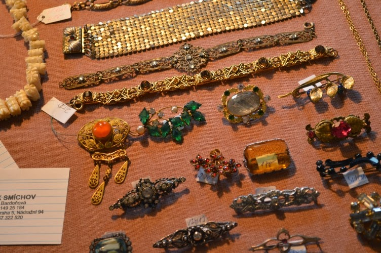 vintage, accessories, prague vintage fair, brooch, bracelet, jewellery