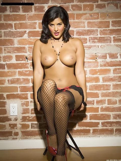 Sunny Leone Nude indianudesi.com
