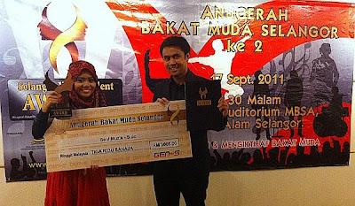 Gambar Najwa Latif Menang Anugerah Bakat Muda Selangor