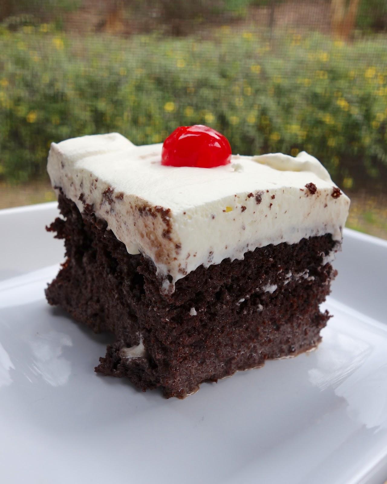 Tres Leches De Ron Con Chocolate (Chocolate Rum Tres Leches Cake ...