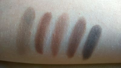 L'oreal La Palette Nude Beige, swatches of 5 shadows on the right