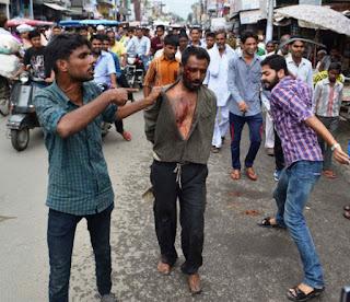 Seorang pria Muslim dipukuli dengan sadis oleh ekstrimis Hindu di India