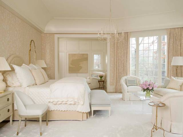 with these complex neutrals gives your room a very harmonious feeling