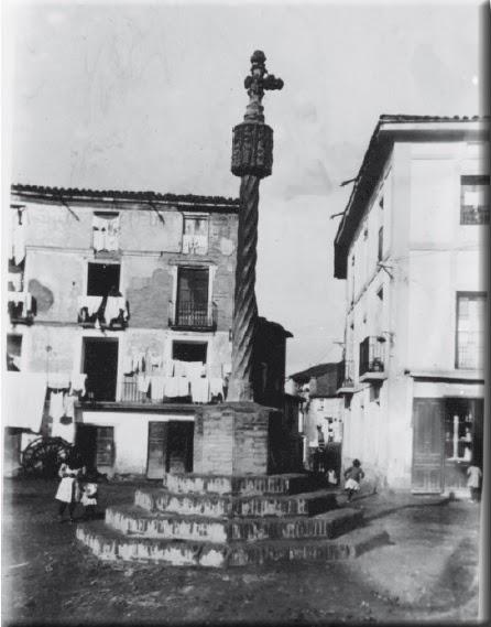 Cruz de Término de Binéfar. Archivo Mas de Barcelona