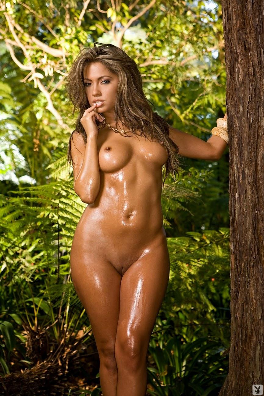 Журнал для взрослых adult: Горячая JESSICA BURCIAGA в тропическом лесу.