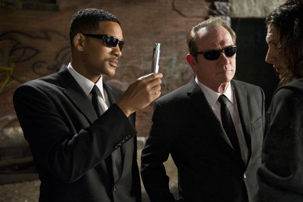 Xem phim Điệp Viên Áo Đen 3 - Men In Black III - Những Người Mặc Đồ Đen 3 2012