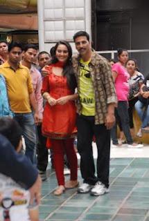 Sonakshi Sinha hot in Rowdy Rathore