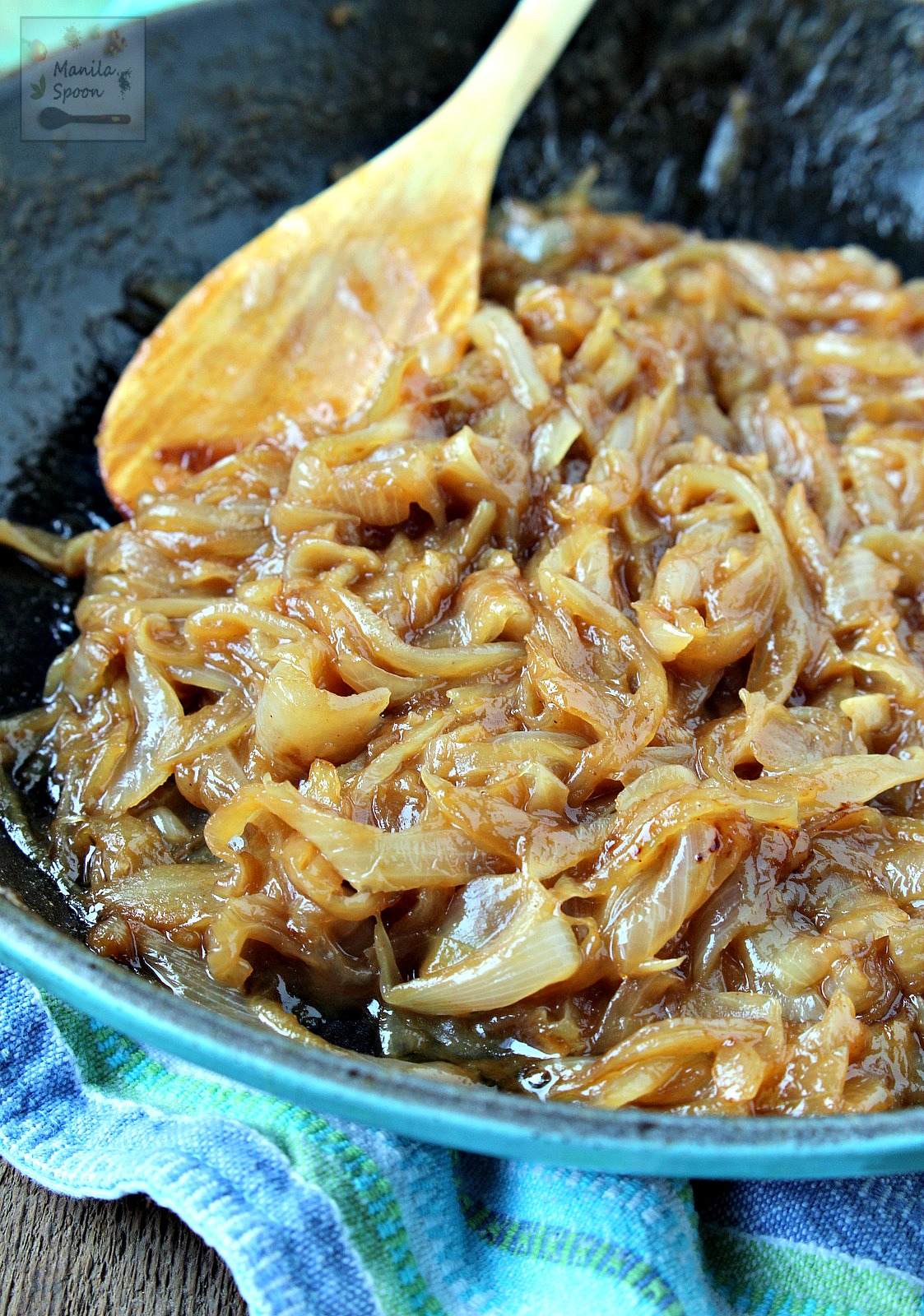 Just a few ingredients are needed to turn a batch of onions into something delightfully rich, sweet and savory. Use caramelized onions as pizza topping, for sandwiches, salad, to jazz up appetizers and so much more!   manilaspoon.com