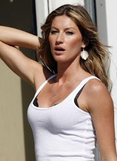 Gisele Bundchen world's first billionaire model