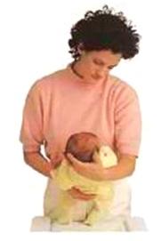 رفع طفلتك وحملها (3)