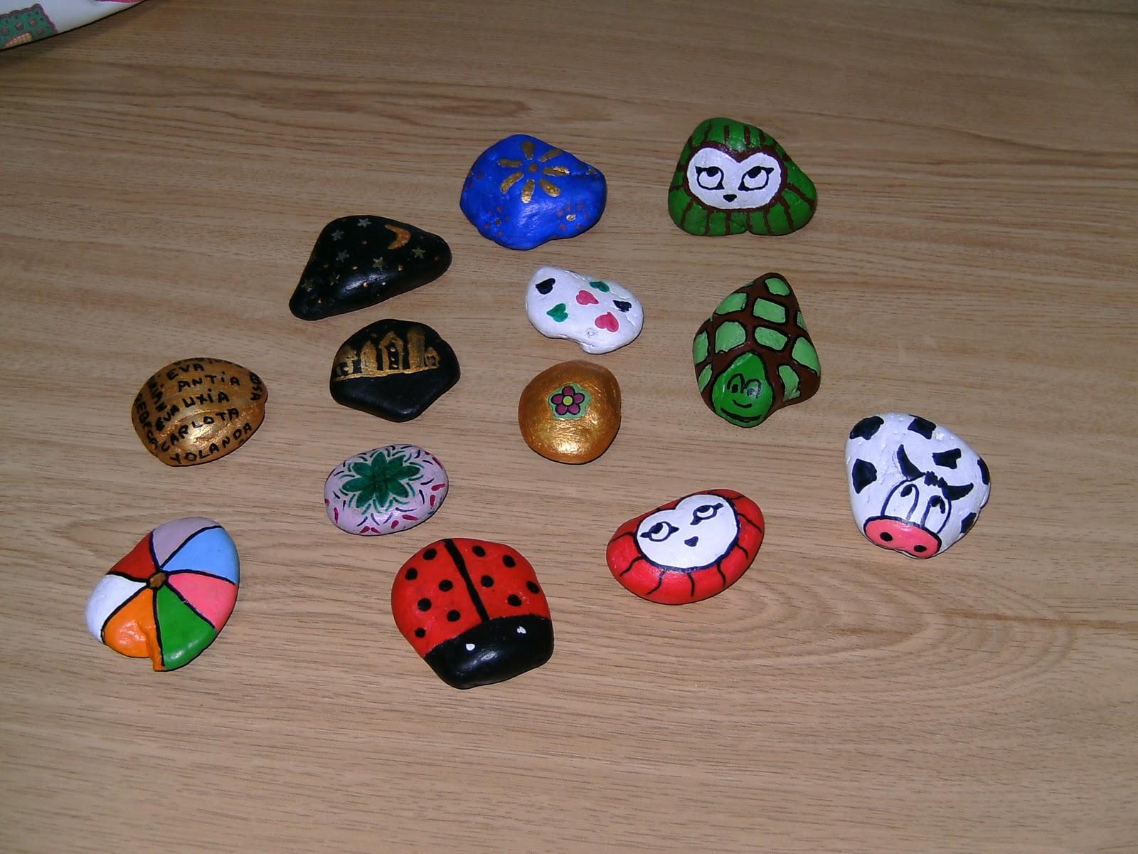 Leo vi se piedras decoradas for Plantas decoradas con piedras