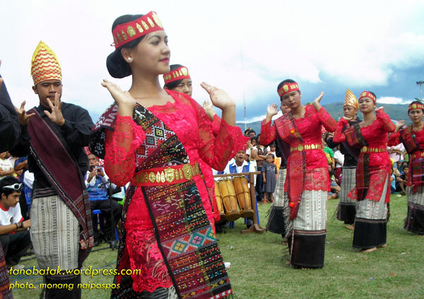 Tor-tor Dance - Indonesian Cultures
