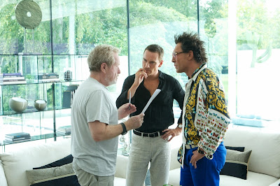 The Counsellor Ridley Scott directs Michael Fassbender & Javier Bardem on set