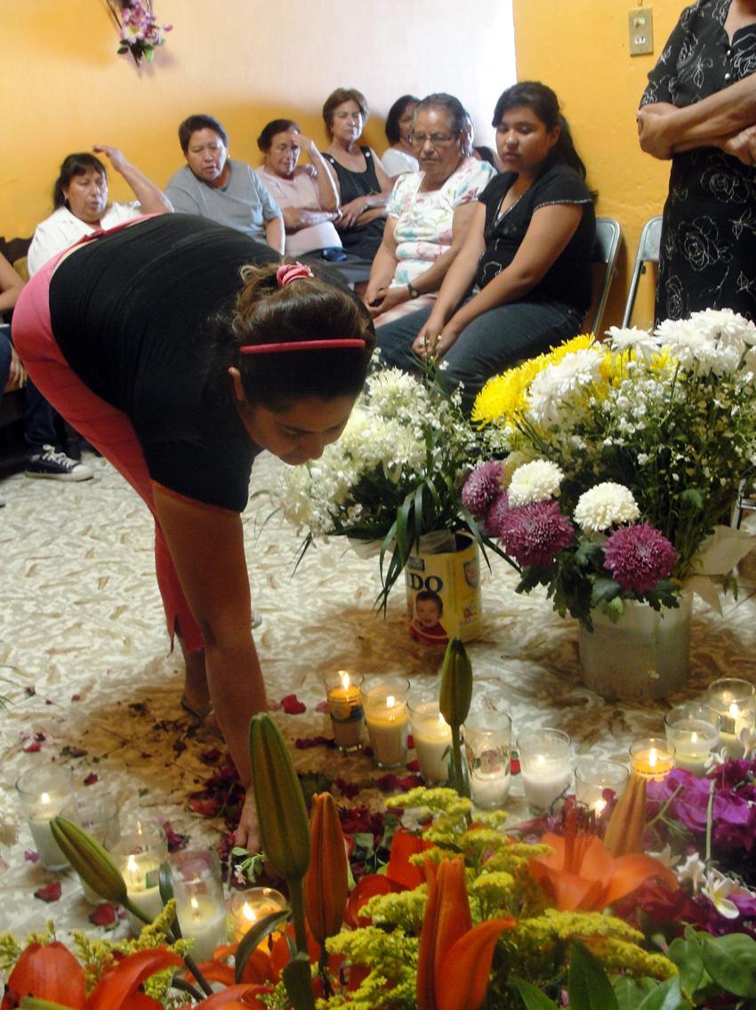 Jalisco: Tradiciones de mi pueblo - Levantar la cruz de un difunto