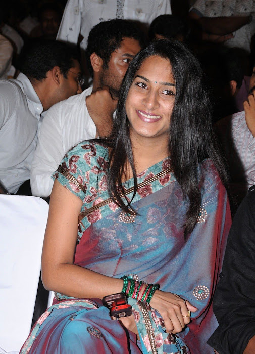 surekha vani saree hot photoshoot
