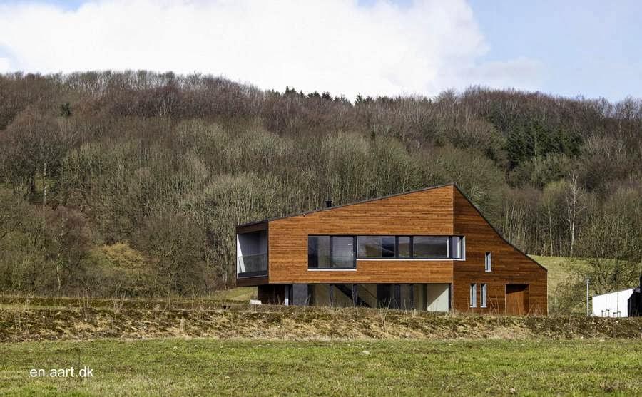Casa residencial contemporánea de madera en ámbito rural