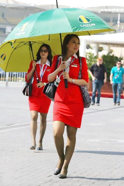 Foto Seksi Bening Pramugari Air Asia5