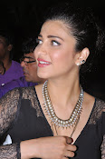 Shruti Haasan New photos-thumbnail-16