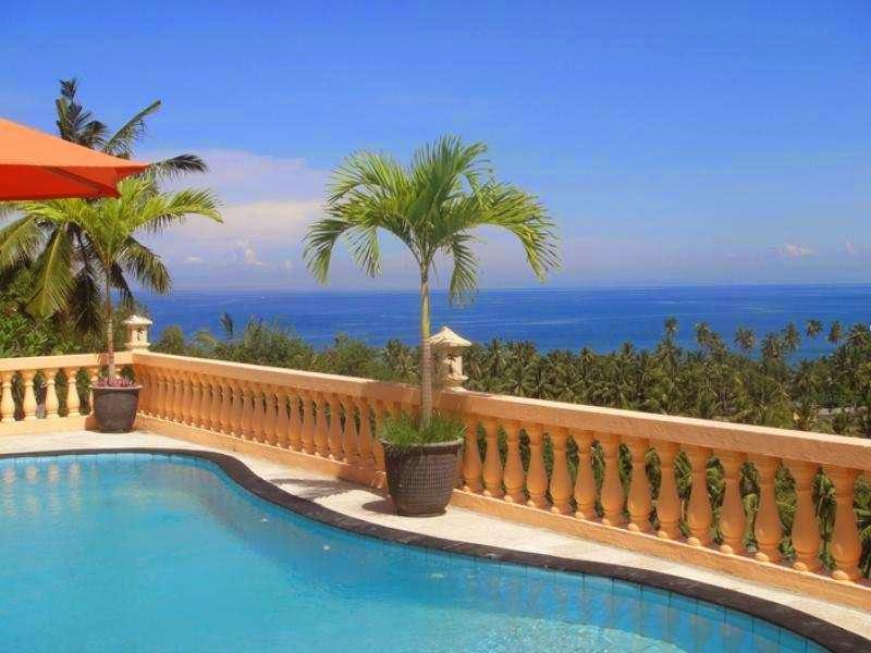 Pesona dari Sunset Lavinia Singgasana Hotels & Resorts Pilihan