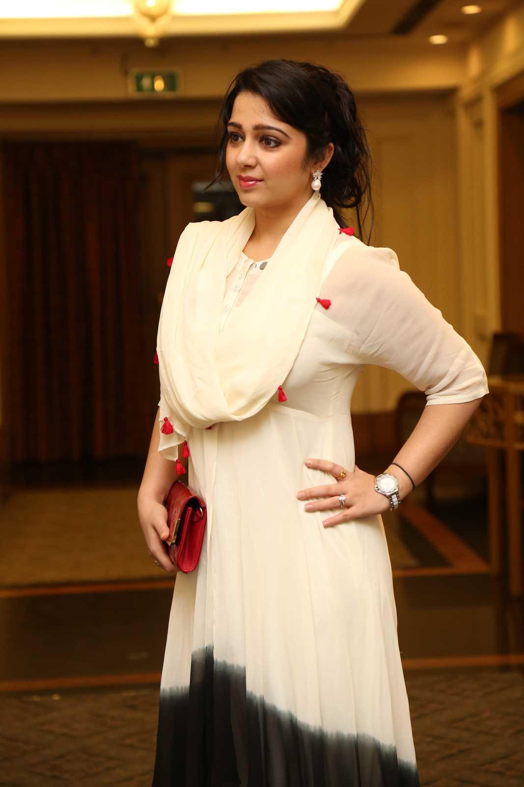 Charmi latest glamorous photos-HQ-Photo-10
