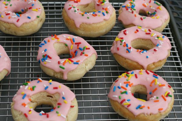 Homer Simpson Pink-Sprinkle Donuts