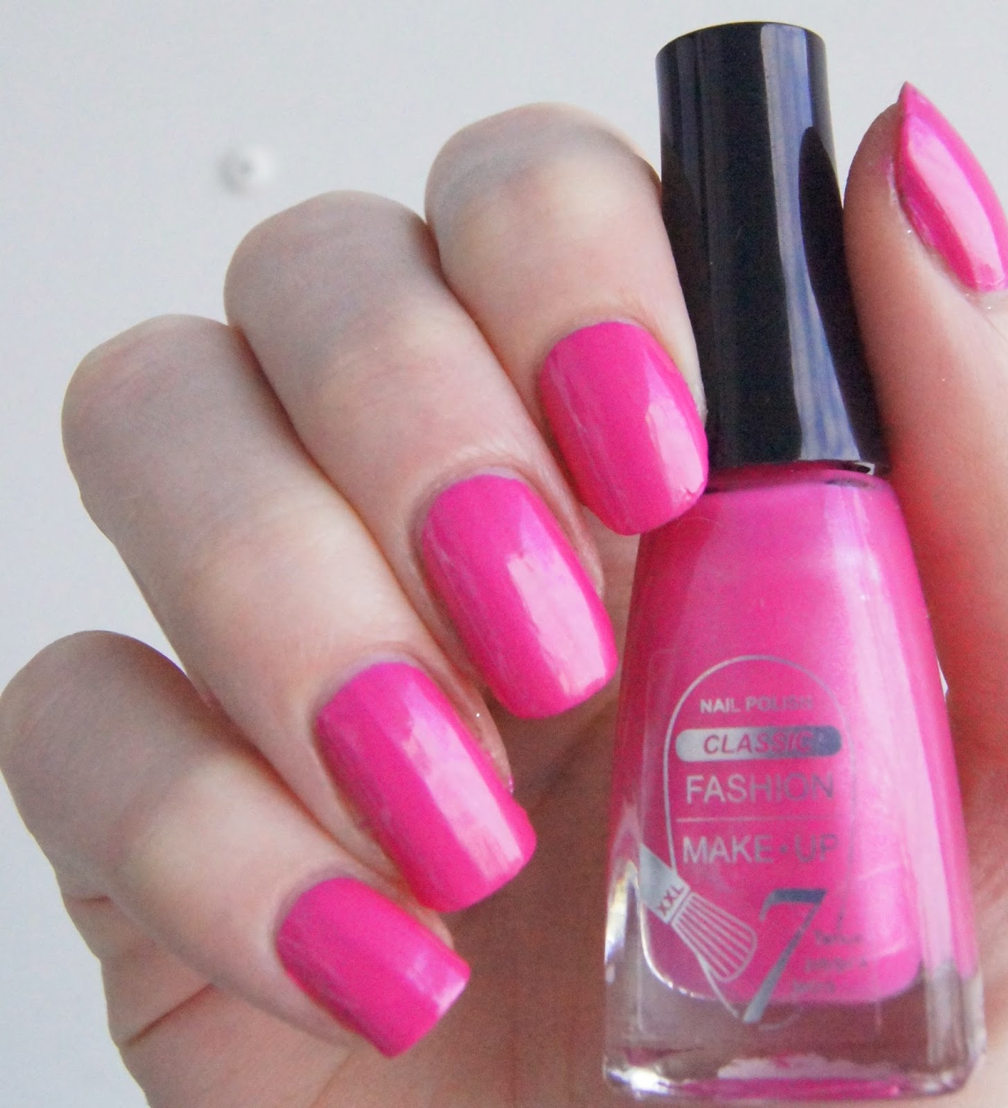 vernis rose barbie