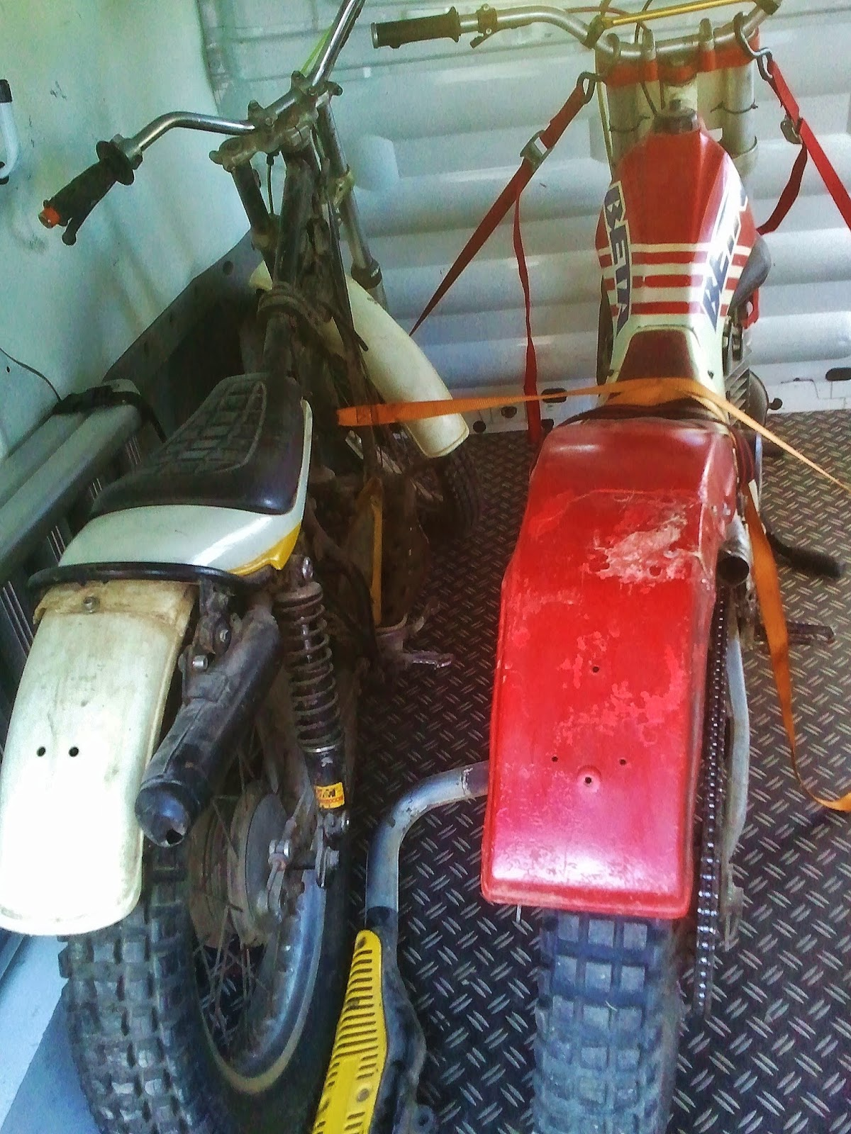 Y c design yamaha ty 250 restauration for Vider son garage