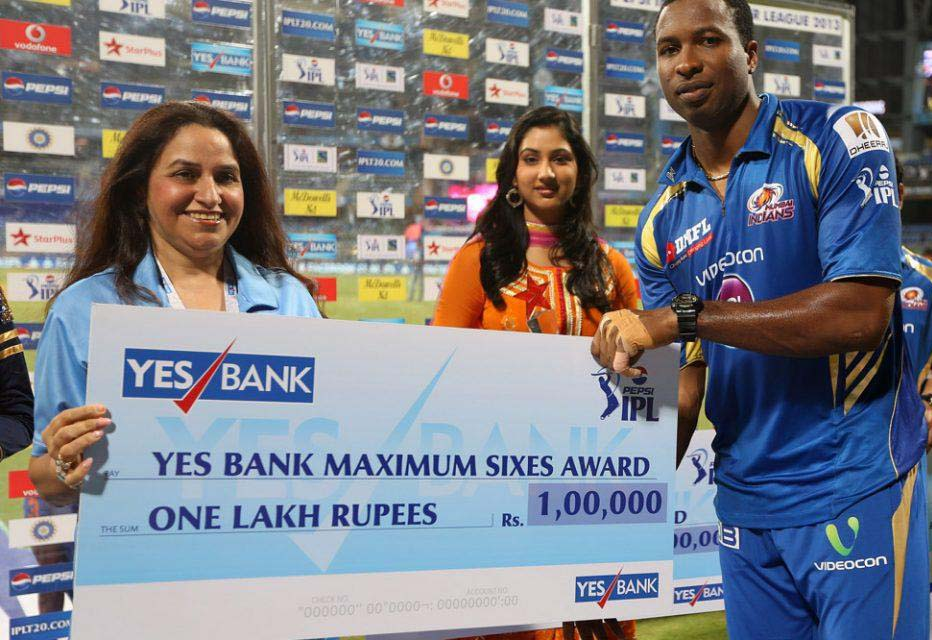 Kieron-Pollard-Maximum-Sixes-Award-MI-vs-RCB-IPL-2013