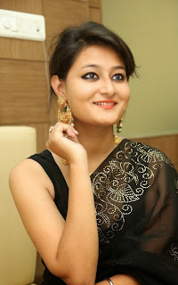 Nilofar Latest Pictures in Saree at Hiya Jewellers Curtain Raiser  13.jpg