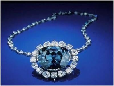 http://4.bp.blogspot.com/-Jxb9iE9N4uk/UJfb69_NOkI/AAAAAAAADp8/TYI77_0kmDw/s1600/10_Most_Famous_Diamonds_of_the_World+_08.jpg