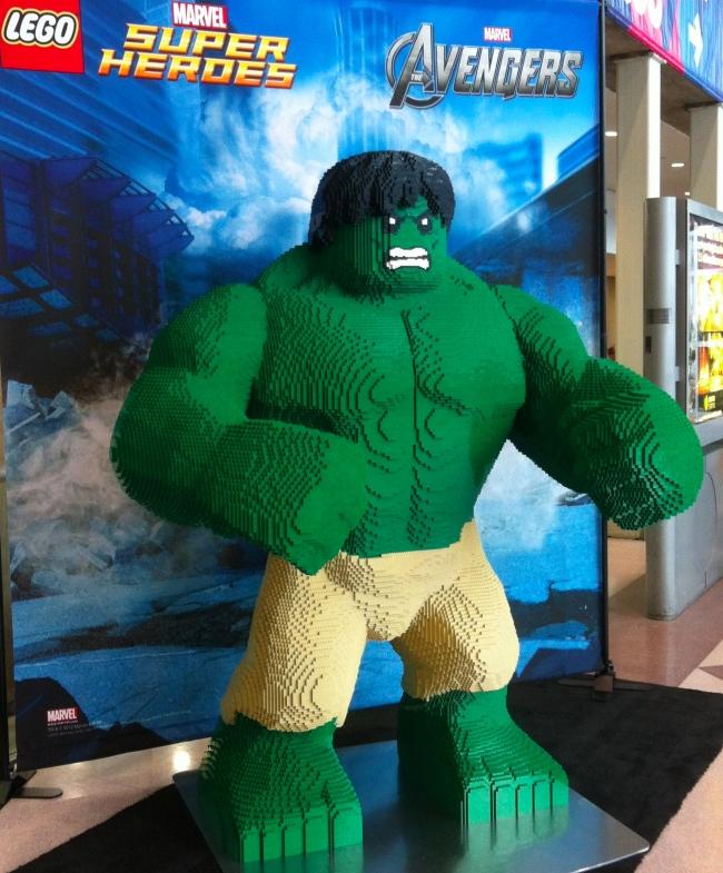 Hulk feito de lego
