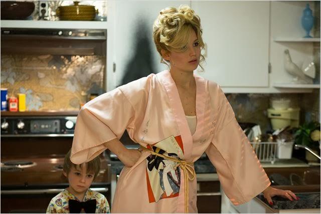 Jennifer Lawrence, como ama de casa, en una de las escenas del film.