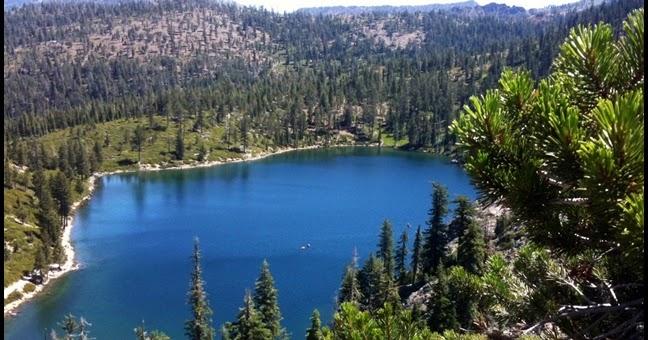 Siskiyou county camping kangaroo lake campground for Lake siskiyou resort cabins