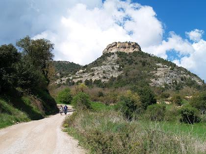 El Roc Gros des del camí de Les Roquetes