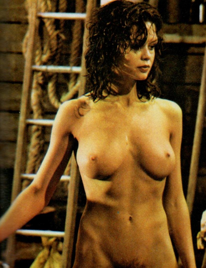 http://4.bp.blogspot.com/-Jy3h_BtxXgU/URQ0pWgmErI/AAAAAAAARFo/sclIEQcFhQE/s1600/Gabrielle+Drake+in+Au+Pair+girls.jpg