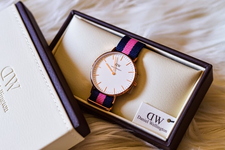 Daniel Wellington Watch DW Swedish brand Classic Winchester Lady Canvas Nato stripes blue pink fashion blogger thesparklingcinnamon