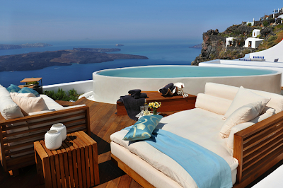 Luxury Honeymoon suites in Greece with an amazing view