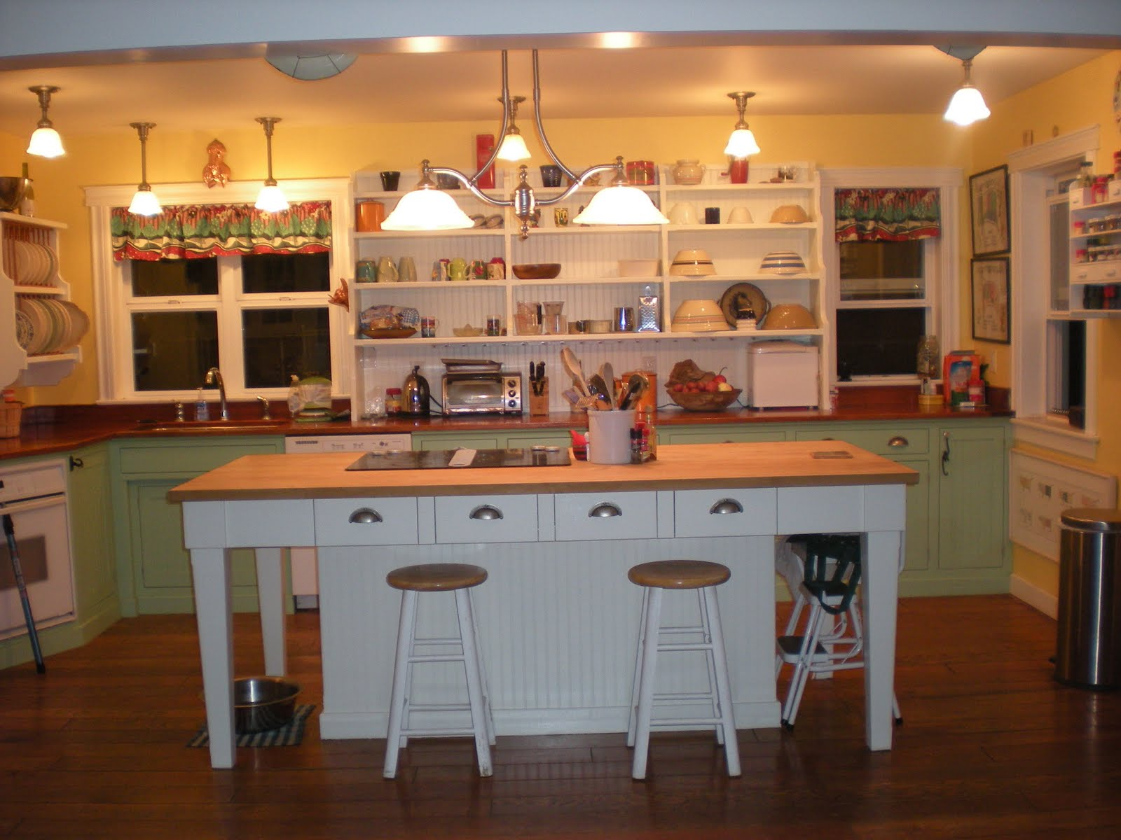 Displaying 17> Images For  Yellow Kitchen Walls