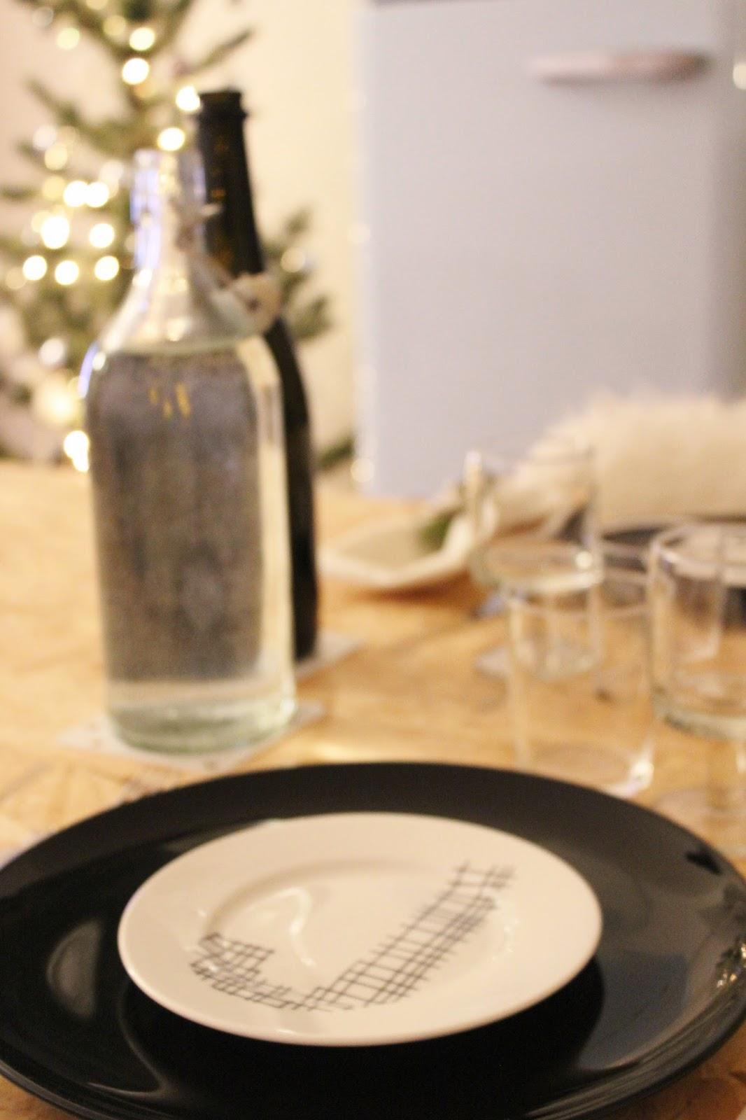 natale in relax: come apparecchiare la tavola con poche idee semplici e veloci