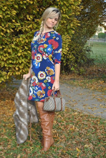 outfit abito stampa floreale come abbinare la stampa floreale abbinamenti stampa floreale how to wear floral print how to combine floral print floral print outfit mariafelicia magno fashion blogger color block by felym fashion blogger bergamo fashion blogger milano fashion bloggers italy italian fashion bloggers outfit dicembre 2015 outfit invernali december outfits winter outfits blonde hair blonde girl blondie blonde with heels ragazze bionde ragazze con minigonne abito felicia magno marca vestiti felicia magno dove acquistare vestiti felicia magno