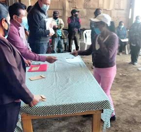 CUMPLE ALCALDE DE AYAHUALULCO CON LAS FAMILIAS DE PERSONAS DISCAPACITADAS EN LOS ALTOS